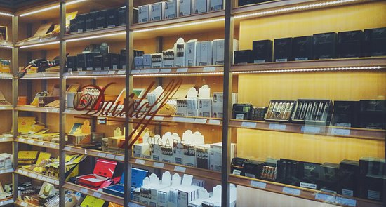 Davidoff of Geneva - CIGAR Shop & Lounge Poznan