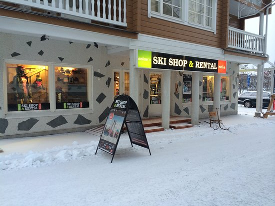 ‪Elan Ski Shop & Rental‬