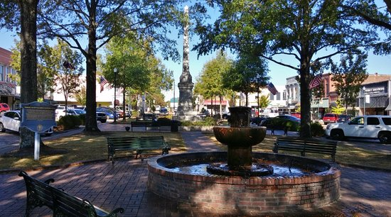 Court Square, Abbeville, SC, Nov 2016
