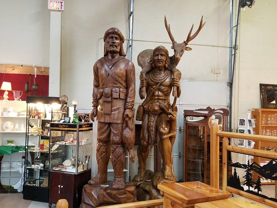 Hendersonville, NC: Mountain man and Indian carving
