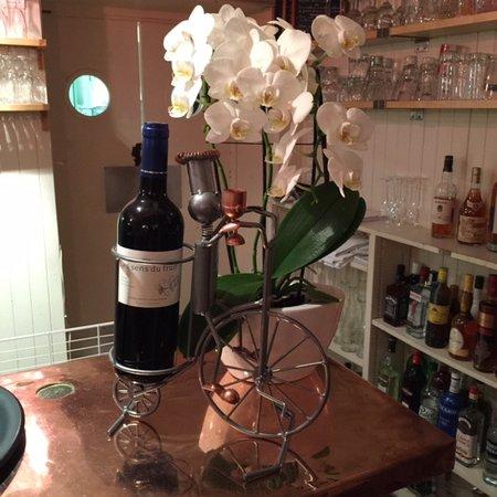 Restaurant gastronomique Les Saveurs : Petite déco du bar