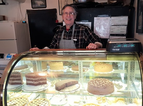 Marshfield, VT: Bill, with a selection of his delectable desserts.