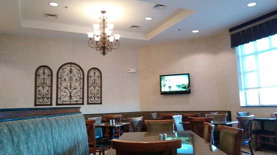 Drury Inn & Suites Indianapolis Northeast: Dining Room