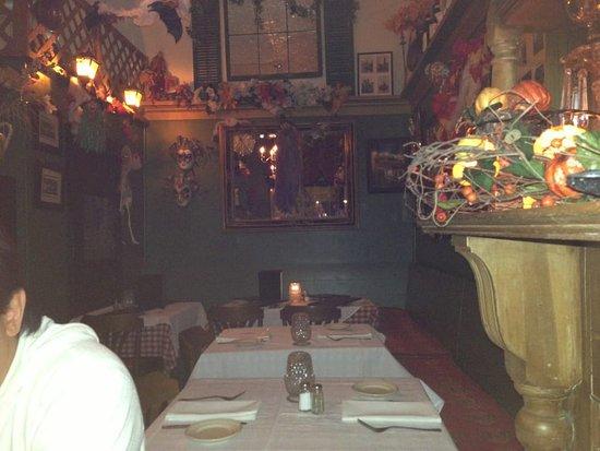 Bella Verona: Dining Room Too