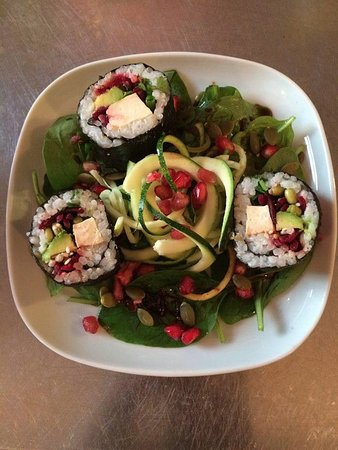 Hassocks, UK: Tofu & Avocado Nori Rolls (GF, vegan)