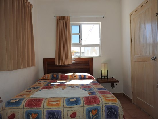 Hotel Marcianito: Basic (fan, one bed, small room)