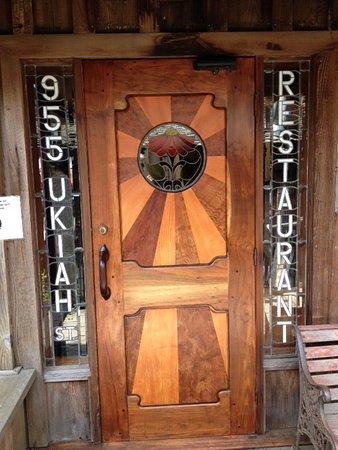 The 955 Ukiah Street Restaurant : Front Entrance
