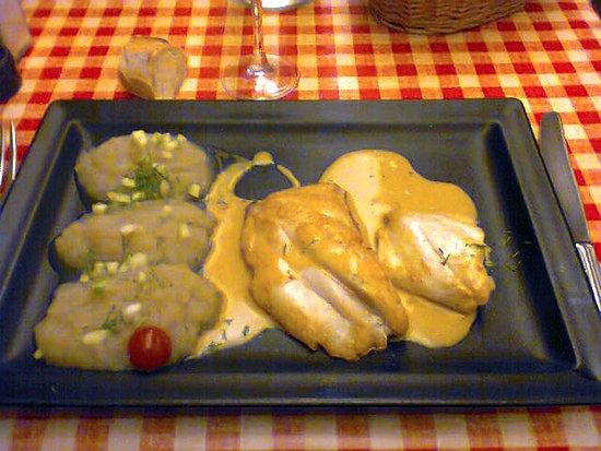 Le Petit Fernand : filet de st pierre et mousseline de betteraves blanches
