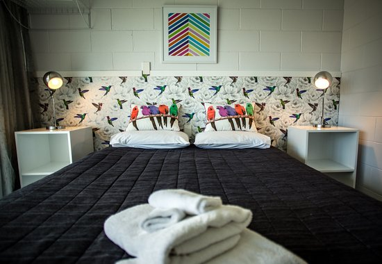 Napier Garden Motel: Comfortable rooms decorated with New Zealand charm.