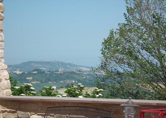 Montelparo, Italy: Views from the courtyard