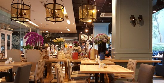 Vic3 Bangkok: The bistro, of which interior I love so much. We had 3 mornings of enjoyable buffet breakfast he