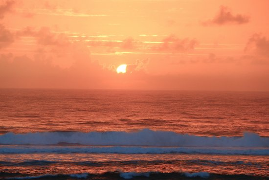 Waipouli Beach Resort: Wonderful Sunrises each day