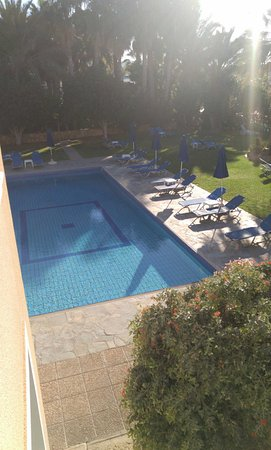 Rododafni Beach Holiday Apartments & Villas: 1480228564818_large.jpg