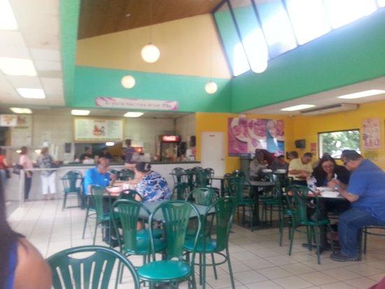 Pico Rico BBQ: Sign, Delicious food