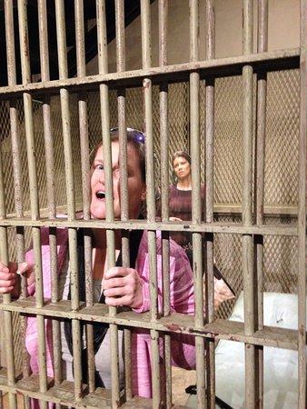 Senoia, GA: Lady behind bars