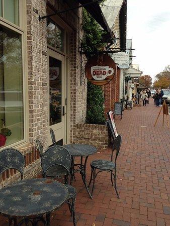 Senoia, GA: Waking Dead coffee shop - hahah, love this humor