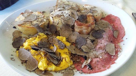 Acqualagna, Italië: Antipasto misto al tartufo nero
