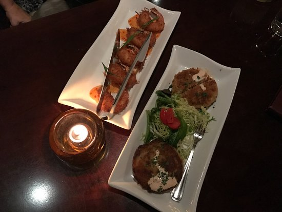 Oakley, CA: crab cakes and prawns