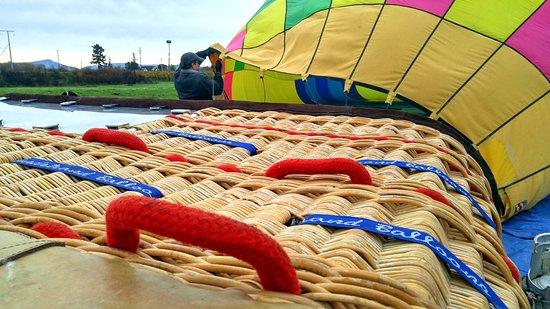 Up & Away Ballooning foto