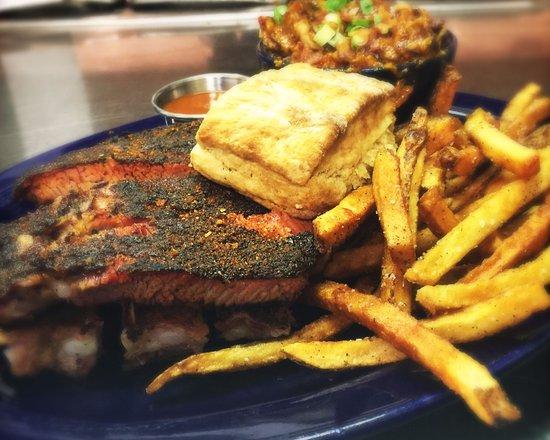 Peoria, IL: rib plate (sauce on the side, folks!)