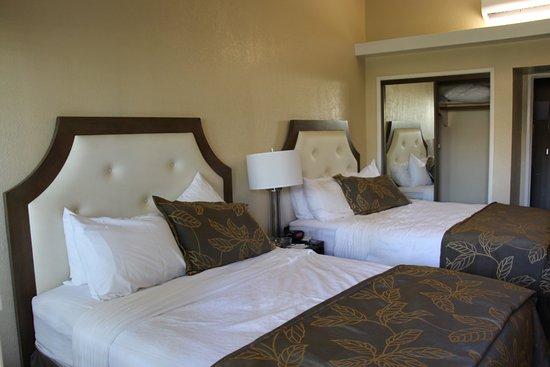 National City, Californien: Sköna sängar med plats för 2 vuxna