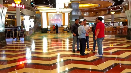 The Venetian Macao Resort Hotel: Cafe Deco for Breakfast and Dinner