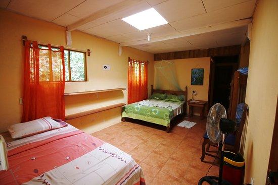 Martina's Place Hostel: Family room #5