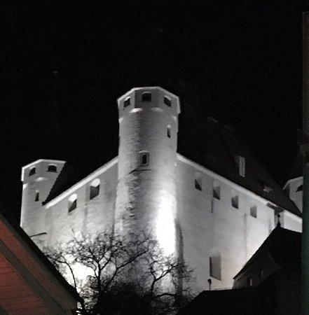 Krone Hotel-Restaurant: Schloss Thun bei Nacht