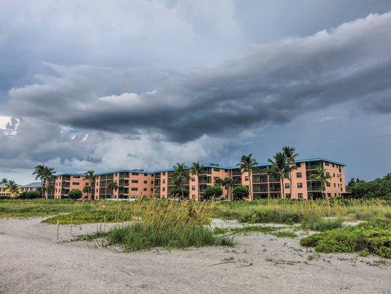 Ocean's Reach Condominiums: Ocean's Reach