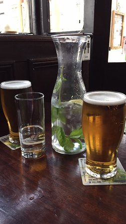 Arthur's Pub: photo2.jpg