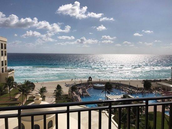 Casa Maya Cancun: View from 5th floor balcony