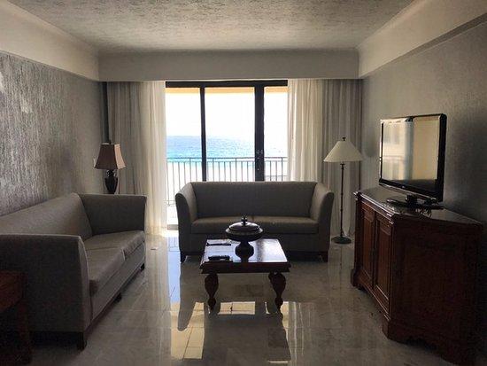 هوتل كاسا مايا: Living room in hotel room suite