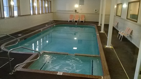 The Lodge at Lincoln Station Resort: Indoor pool.
