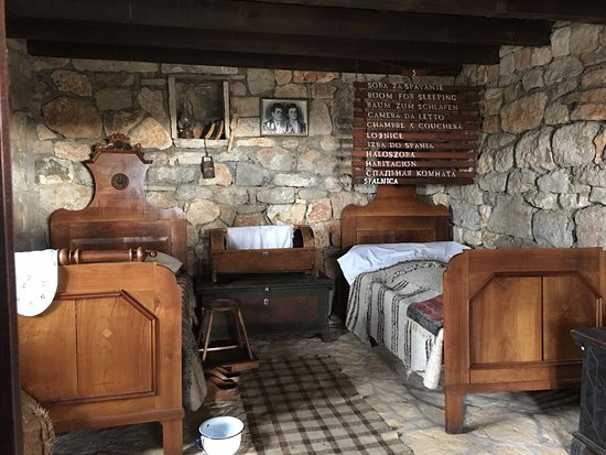 Drnis, Kroatië: Bedroom