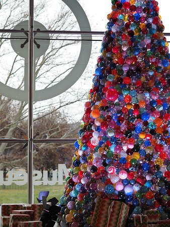 Corning, NY: Glass ball Christmas tree in the lobby of the museum