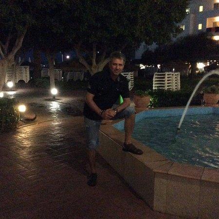 Mojacar Playa Hotel : Zona de la piscina y escenario nocturno