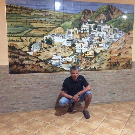 Mojacar Playa Hotel : Dentro del hotel,al fondo cuadro l pueblo demojacar