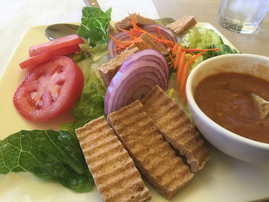 Grover Beach, CA: Thai Salad with Fried Tofu