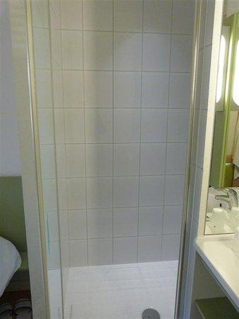 Ibis Budget Krakow Stare Miasto: shower stall