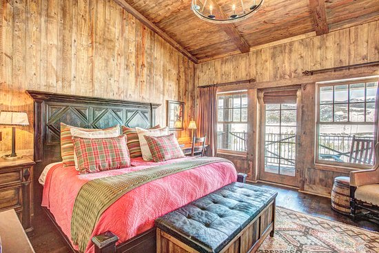 Devil's Thumb Ranch Resort & Spa: High Lonesome Lodge - King Room