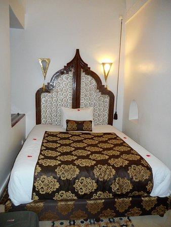 Riad Argan: Outra suite, em marrom.