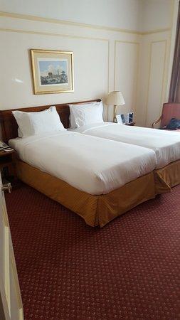 Hotel Le Plaza : Værelse