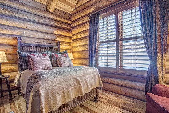 Tabernash, CO: 4 Bedroom Cabin - Bedroom