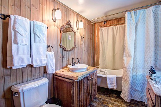 Tabernash, CO: 1 Bedroom Cabin - Restroom