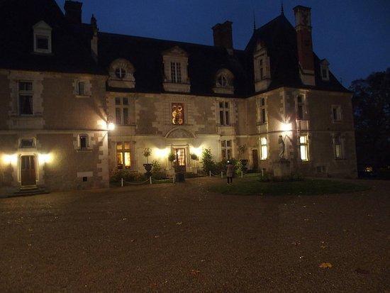 Noizay, Francia: nachtelijk zicht op het kasteel
