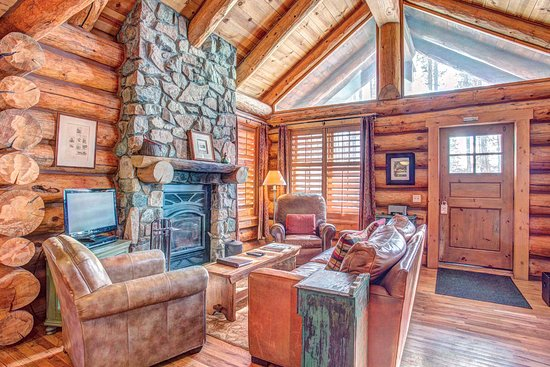 Tabernash, CO: 2 Bedroom Cabin - Living Area