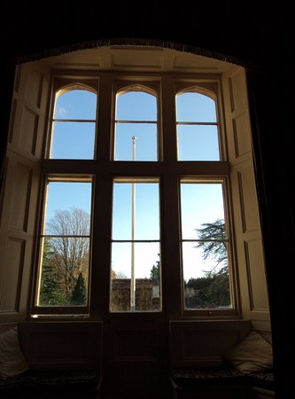Tortworth, UK : Lovely window looking over the drive.