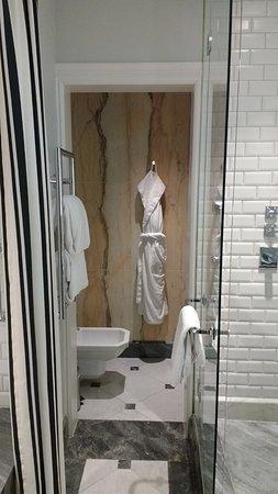 Hotel Maria Cristina, a Luxury Collection Hotel, San Sebastian: deel van de badkamer