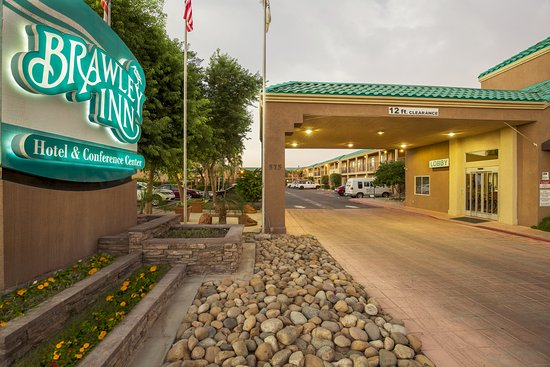 Brawley Inn Hotel & Conference Center: Exterior- Hotel Entrance