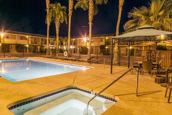Brawley, CA: Pool/heated Spa